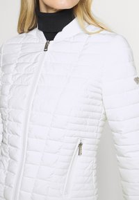 Guess - VERA JACKET - Light jacket - true white - 5