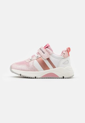 Sneaker low - pink/white