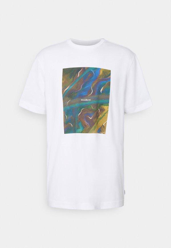 Woodbird MAHA BOX TEE - T-shirt z nadrukiem - white/biały Odzież Męska TPXP