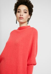 Gerry Weber - PULLOVER ARM - Stickad tröja - rouge red - 4