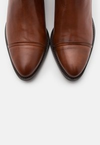 Bianco - BIACAROL - Ankle boot - cognac - 5