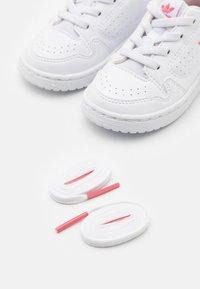 adidas Originals - NY 92 UNISEX  - Trainers - footwear white/hazy rose - 5