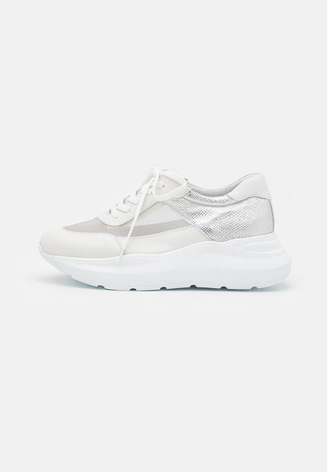 GÜMÜŞ - Sneakers laag - silver