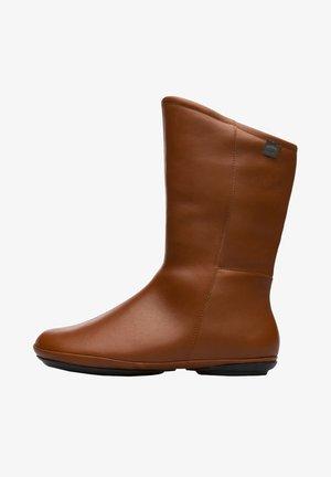 RIGHT NINA - Botines - brown