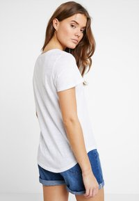 Cotton On - THE CREW - T-shirts - white - 2