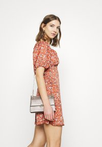 Missguided - MILKMAID SKATER DRESS FLORAL - Kjole - pink - 4