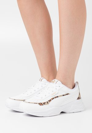 CILIA MODE LEO - Sneakers basse - white/team gold/black