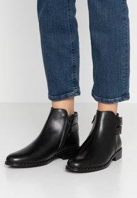 Pinto Di Blu - Ankle boots - noir - 0