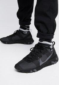 Nike Sportswear - REACT - Sneakers - black/dark grey - 0
