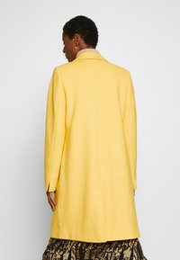 Esprit - COAT - Kåpe / frakk - dusty yellow - 2
