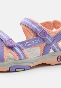 TrollKids - GIRLS PREIKESTOLEN - Walking sandals - lavender/apricot - 5