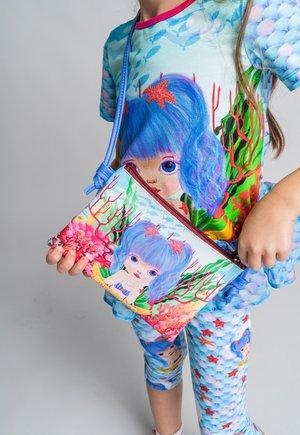 MERRILL BOLSO - Across body bag - blue