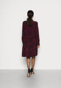 Tommy Hilfiger - KNEE DRESS BRACELET - Shirt dress - regatta red - 2