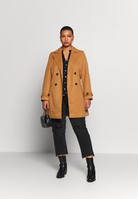 Vero Moda Curve - VMBERTA JACKET - Trench - tobacco brown - 1