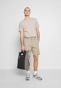 Lee - Shorts - anita beige - 1