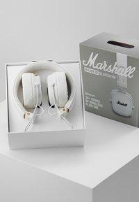 Marshall - MAJOR III BLUETOOTH - Koptelefoon - white - 3