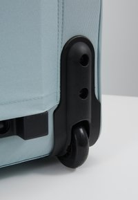 Lässig - ABOUT FRIENDS LOU ARMADILLO - Wheeled suitcase - blue - 2