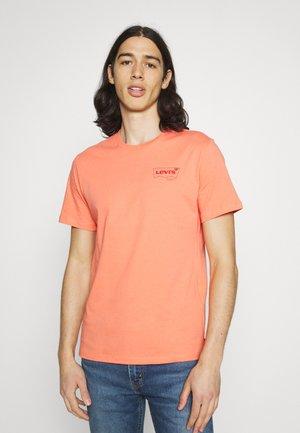 HOUSEMARK GRAPHIC - T-shirt basic - coral quartz