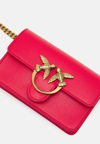 Pinko - LOVE BABY ICON SIMPLY ANTIQUE - Across body bag - red - 5