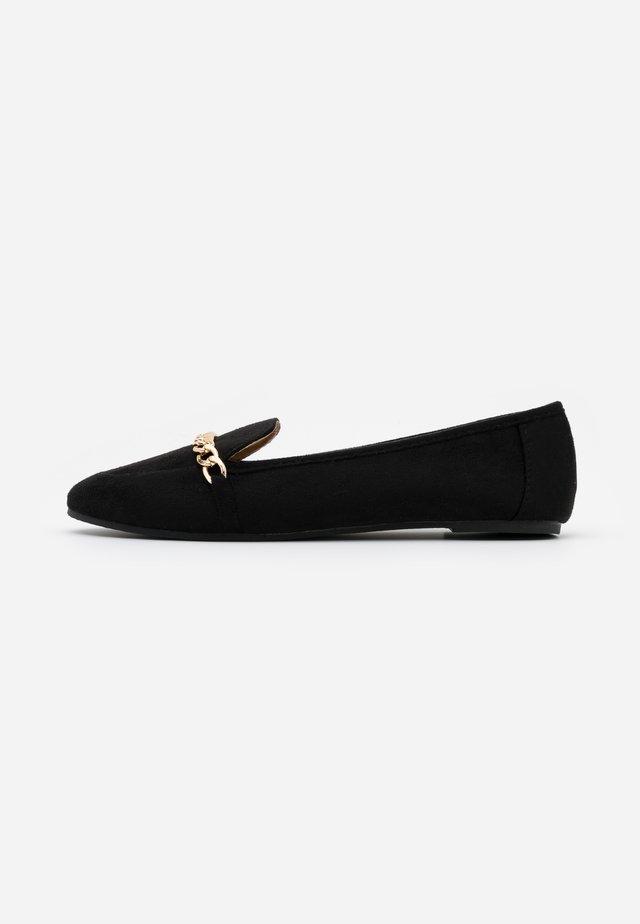 VEENA - Scarpe senza lacci - black