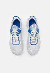 Nike Sportswear - REACT LIVE  - Trainers - grey fog/game royal/platinum tint/iron grey - 3