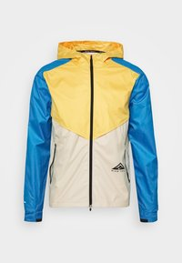 Nike Performance - TRAIL WINDRUNNER  - Chaqueta de deporte - solar flare/beach/laser blue/reflective silver - 5