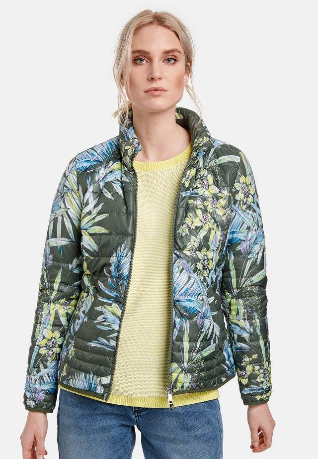 Veste d'hiver - botanical green gemustert