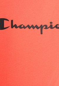 Champion - CREWNECK - Triko spotiskem - coral - 5