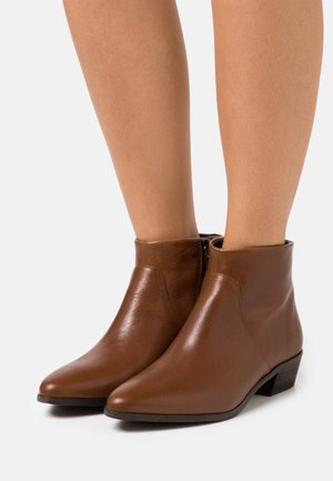 ABBONO - Ankle boots - kamel