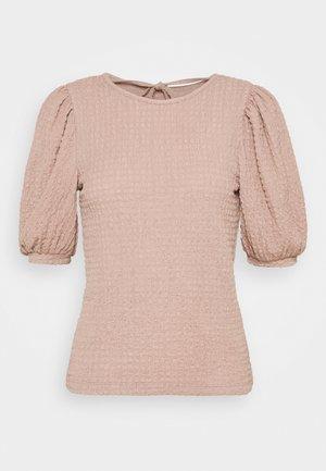 VMMILINA - T-shirts - fawn