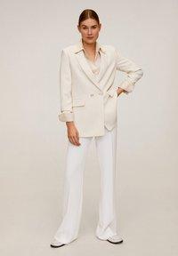 Mango - PALACHIN - Spodnie materiałowe - ecru - 1