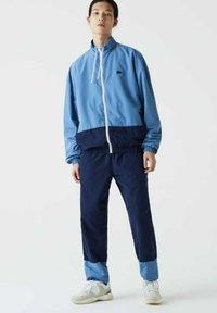 Lacoste - Tracksuit - bleu bleu - 0