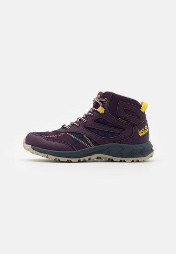 WOODLAND TEXAPORE MID UNISEX - Hiking shoes - purple/yellow