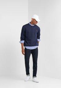 Polo Ralph Lauren - LONG SLEEVE - Sweatshirt - cruise navy - 1