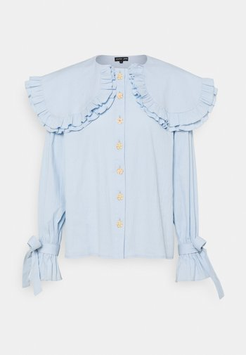 NOTES OVERSIZED COLLAR BLOUSE