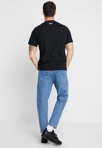 Reebok Classic - INTERNATIONAL DONER TEE - Print T-shirt - black - 2