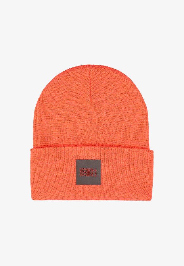 Bonnet - fiery red