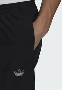 adidas Originals - SHARK  - Pantaloni sportivi - black - 4
