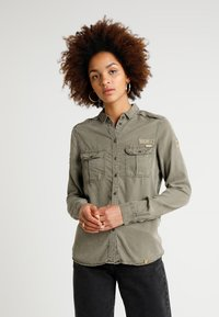 Superdry - RAMONA MILITARY SHIRT - Button-down blouse - washed khaki - 0