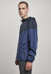 Urban Classics - TONE TECH - Windbreaker - dark blue - 4