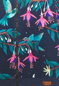 Walkiddy - ZIP THROUGH JACKET HUMMINGBIRDS UNISEX - Zip-up sweatshirt - dark blue/green - 2