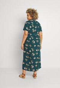 Vero Moda Curve - VMSIMPLY EASY LONG - Shirt dress - sea moss - 2