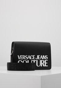 Versace Jeans Couture - MACRO LOGO FLAPOVER - Borsa a tracolla - black - 0