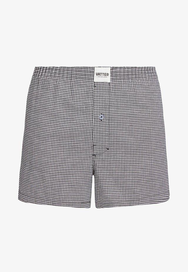LOOSE LARRY - Boxer shorts - black/white