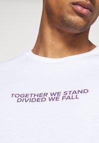 YOURTURN - Print T-shirt - white - 5