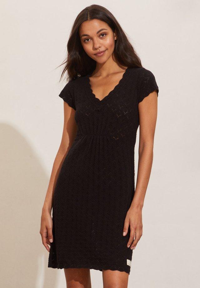 LOVEBIRD - Jumper dress - almost black