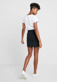 New Look - MOM SKIRT - Denim skirt - black - 3