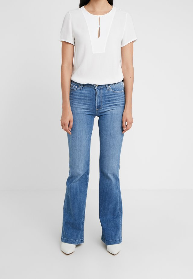 GENEVIVE  - Flared Jeans - north star destessed