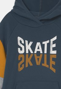 Fred's World by GREEN COTTON - SKATE HOODIE UNISEX - Mikina s kapucí - midnight - 2
