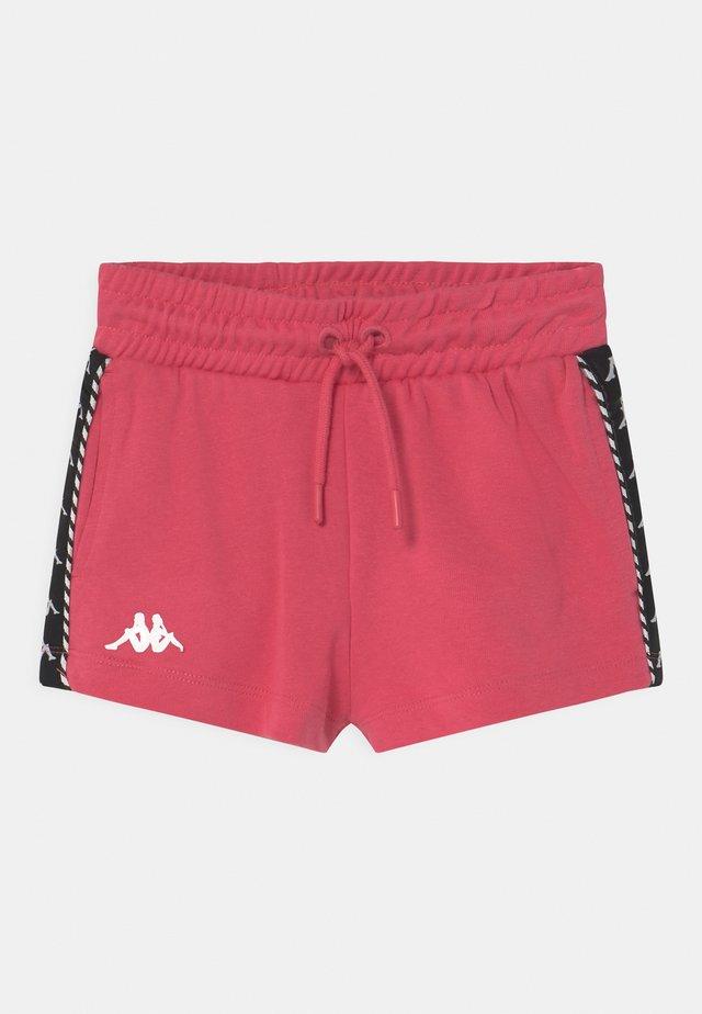 IRISHA - Pantaloncini sportivi - honeysuckle